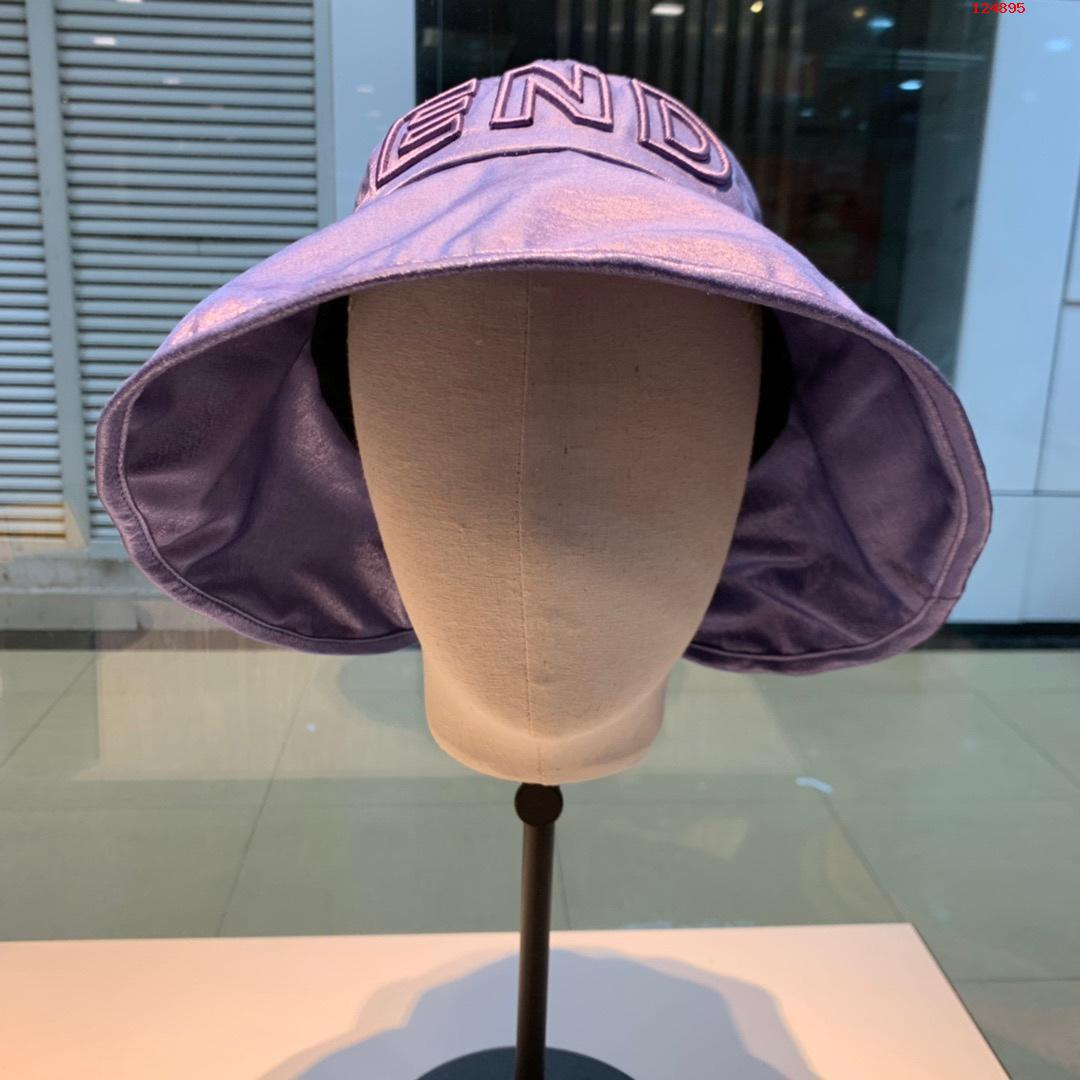 FD芬迪渔夫帽...